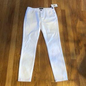 NEW DKNY Jeans